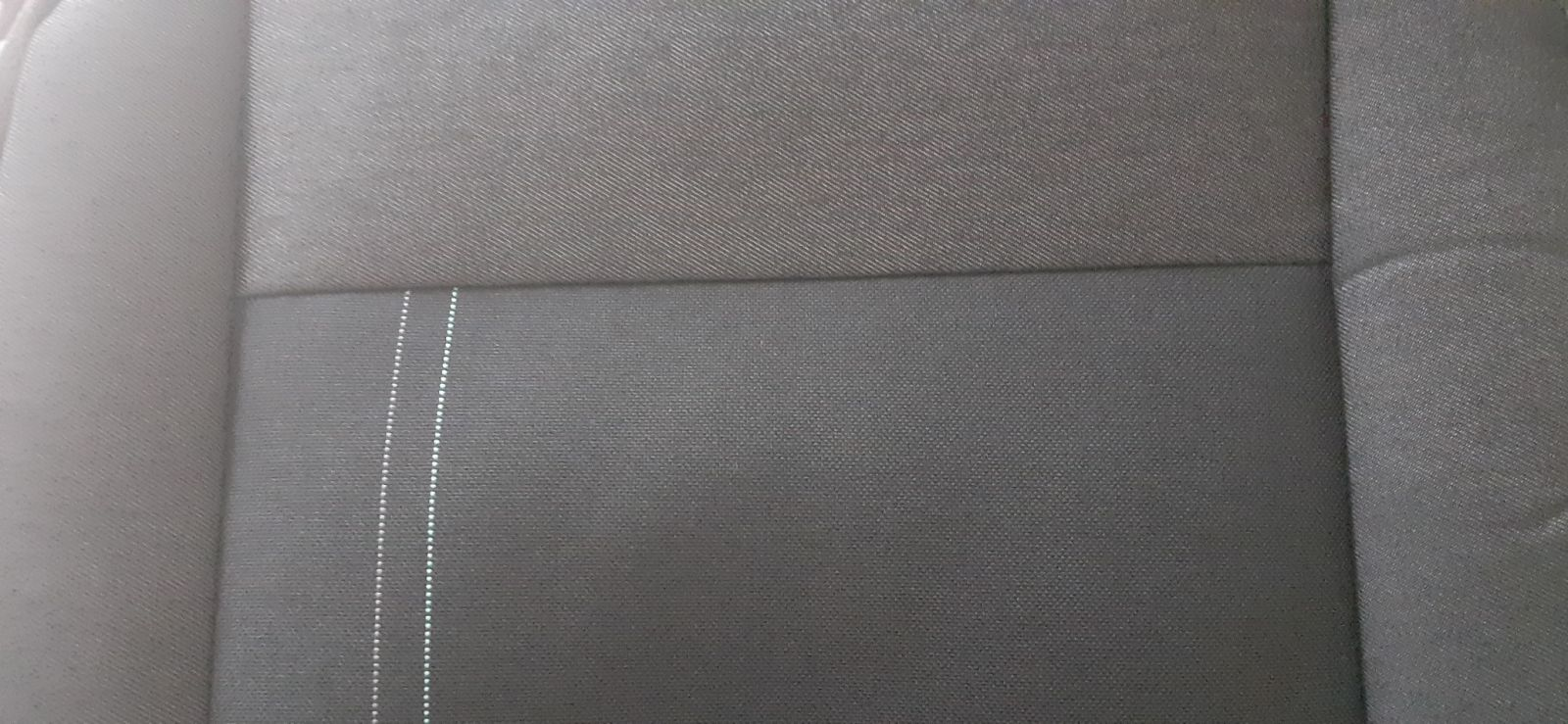 Autopotahy LUXUS FORD TRANSIT (3.místa,1+2) šité na míru,OR 127 černý střed s linkou,černé boky Vyrobeno v České Republice